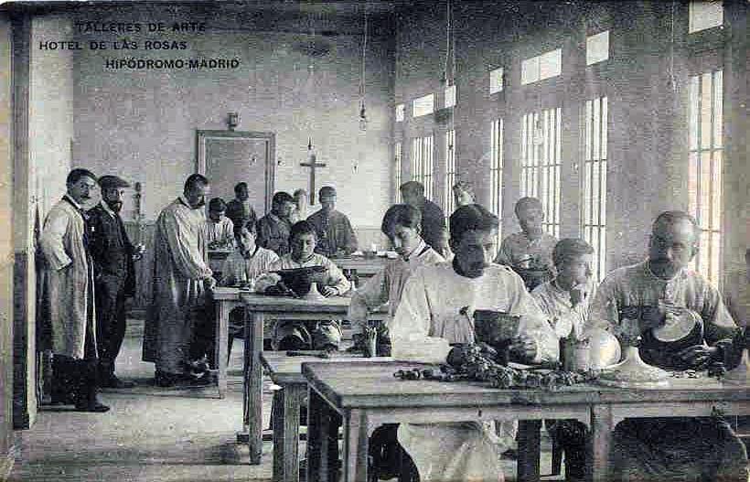 La primera sección de cincelado en el Hotel de las Rosas, hacia 1910.